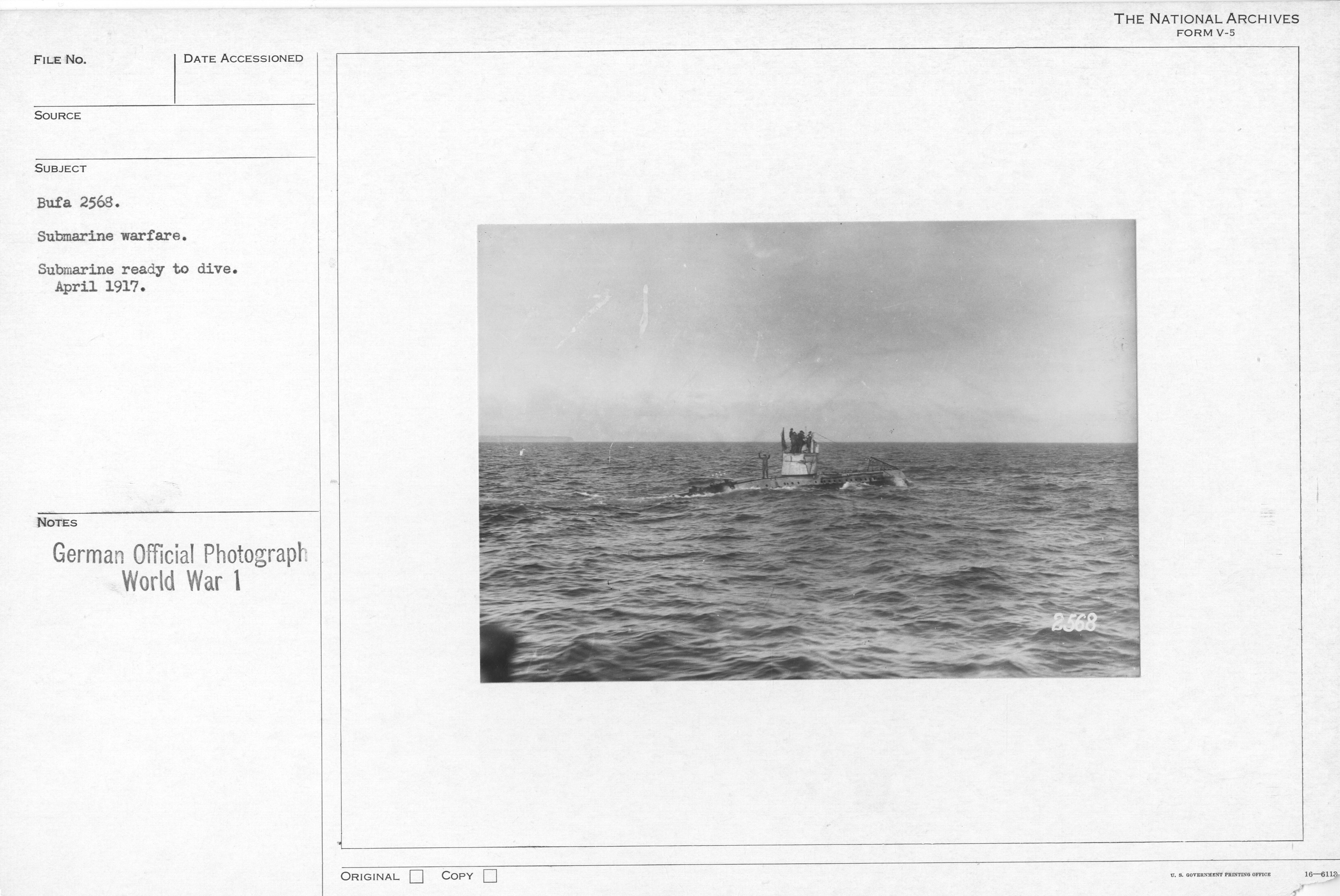 Submarine warfare. Submarine ready to drive. April 1917