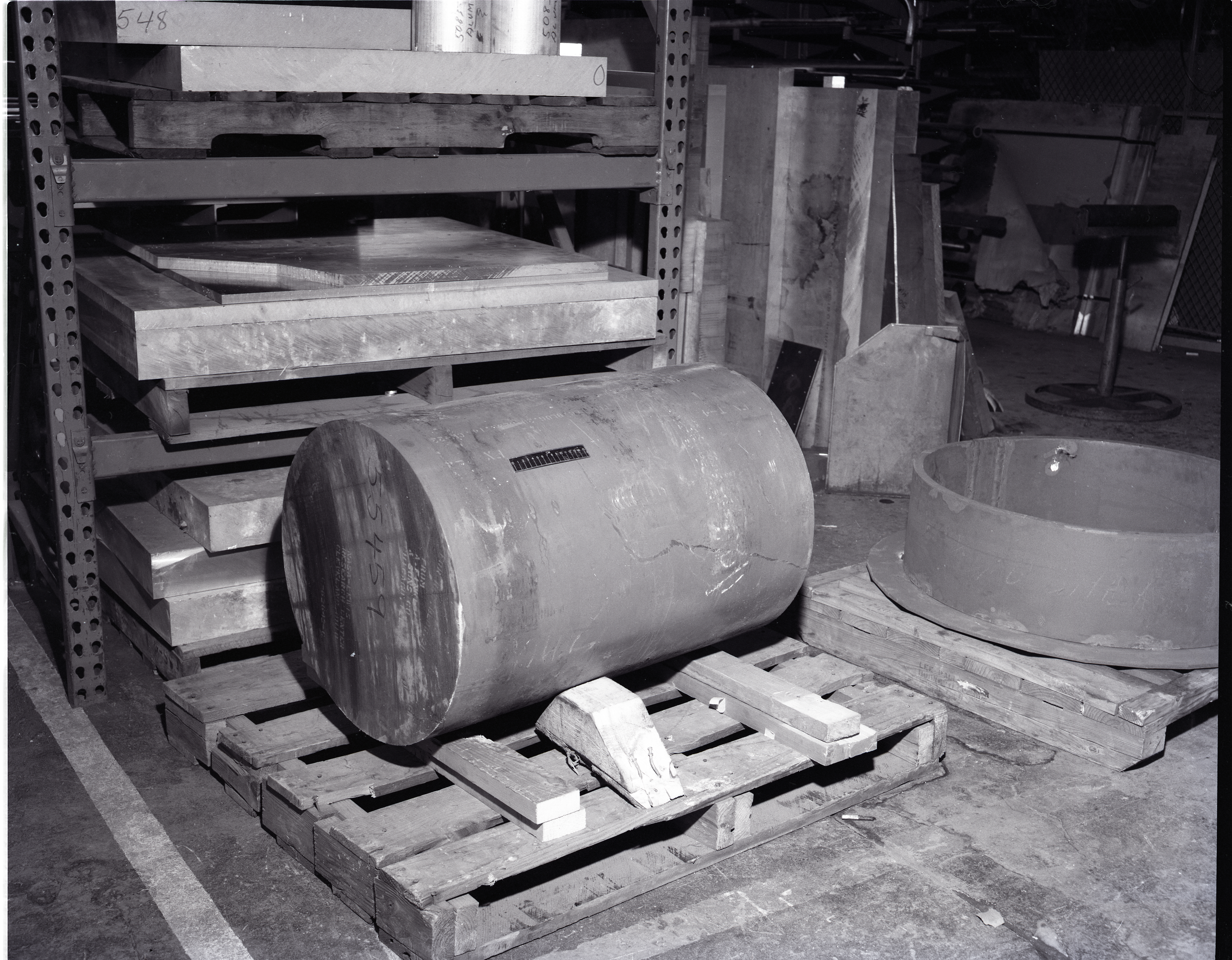 BLADE SPINDLE FORGINGS AND BEARING HOUSINGS FOR 100 KW KILOWATT WINDMILL