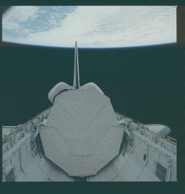 S05-41-1335 - STS-005 - Deployment of Telesat Canada's ANIK C-3 satellite