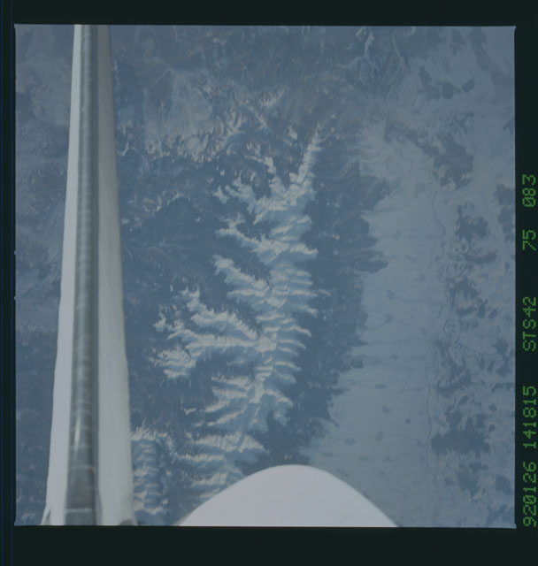 S42-75-083 - STS-042 - STS-42 earth observations