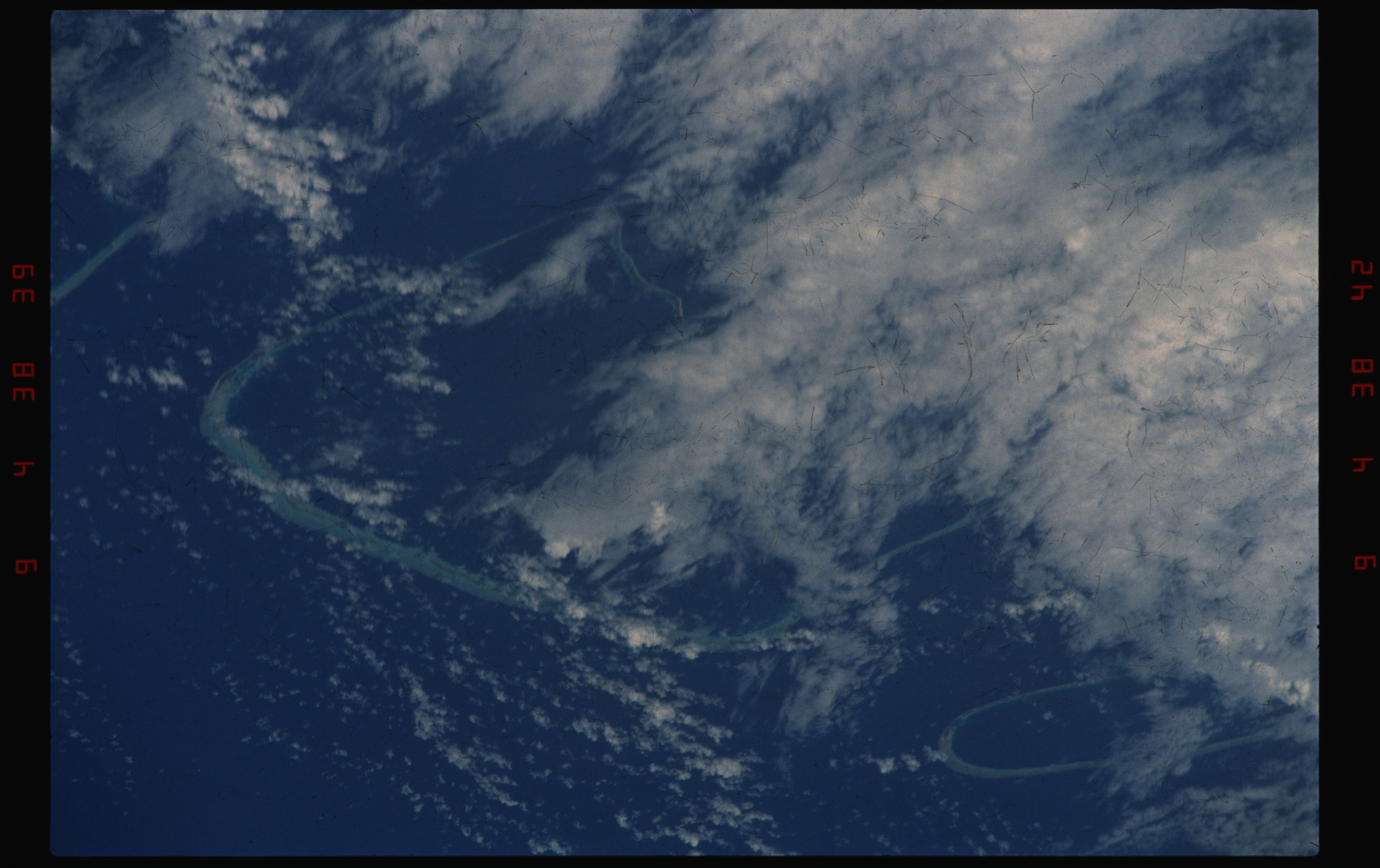 STS050-11-026 - STS-050 - Earth observation scenes of the north central Tuamotu Archipelago.