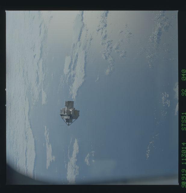 STS051-92-040 - STS-051 - ORFEUS/SPAS