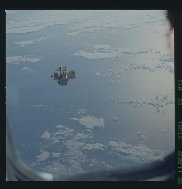 STS051-92-041 - STS-051 - ORFEUS/SPAS