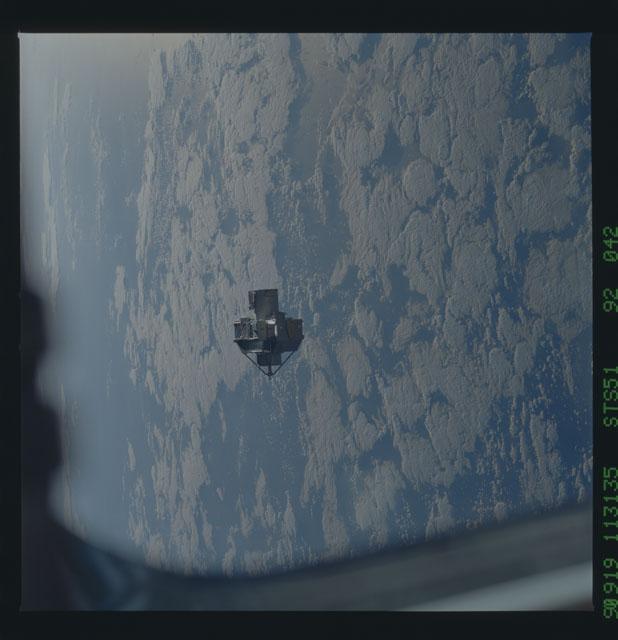 STS051-92-042 - STS-051 - ORFEUS/SPAS