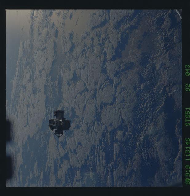 STS051-92-043 - STS-051 - ORFEUS/SPAS