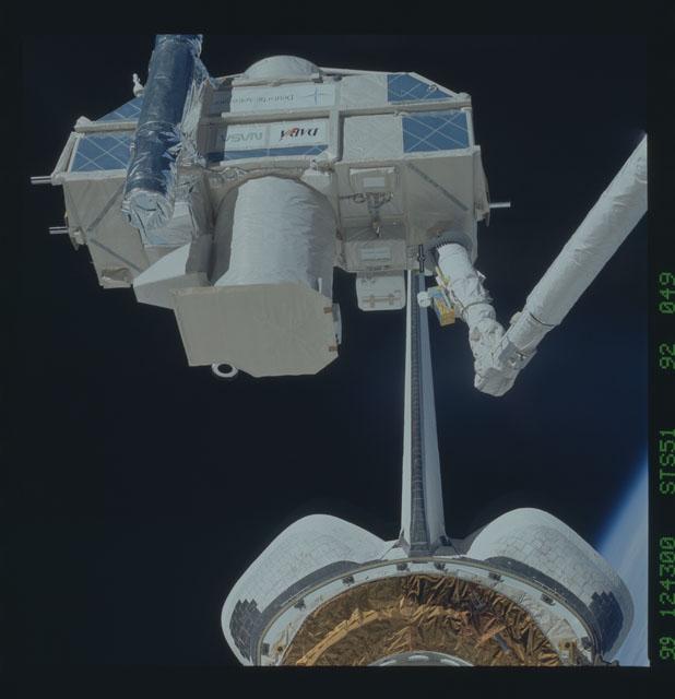STS051-92-049 - STS-051 - ORFEUS/SPAS