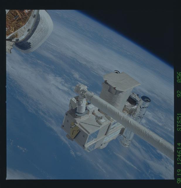 STS051-92-056 - STS-051 - ORFEUS/SPAS