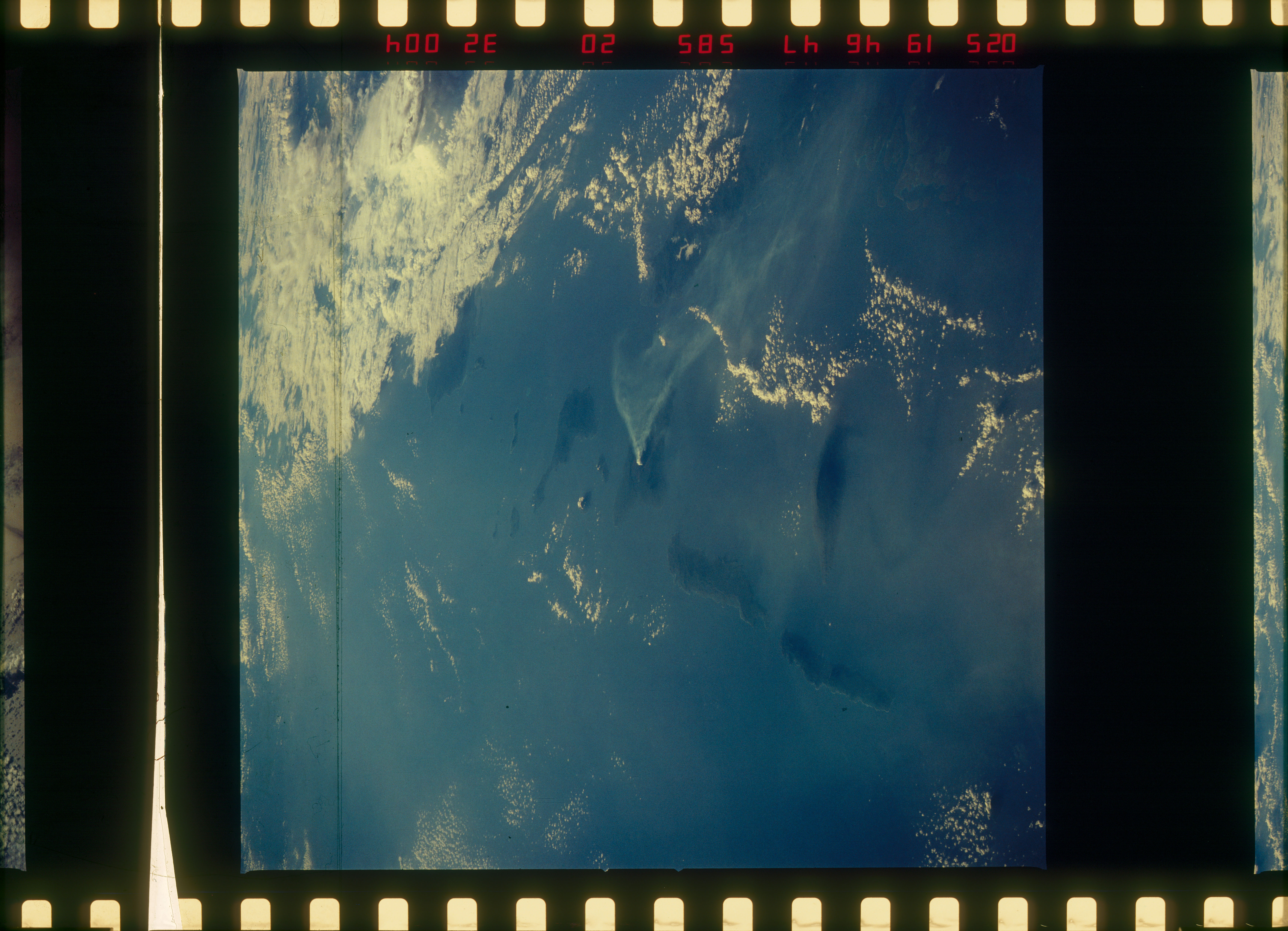 STS51C-32-004 - STS-51C - STS-51C earth observations