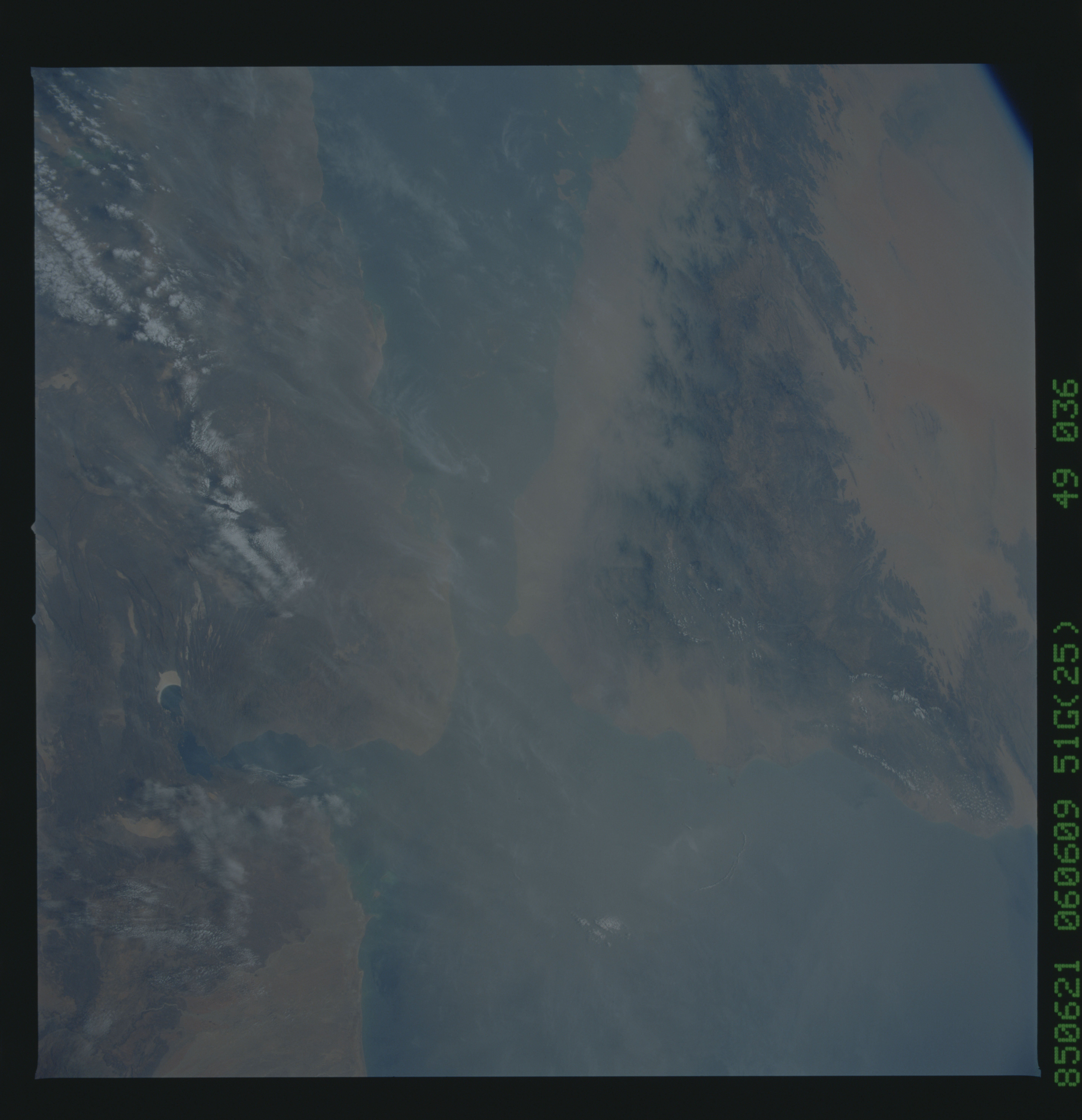 51G-49-036 - STS-51G - STS-51G earth observations