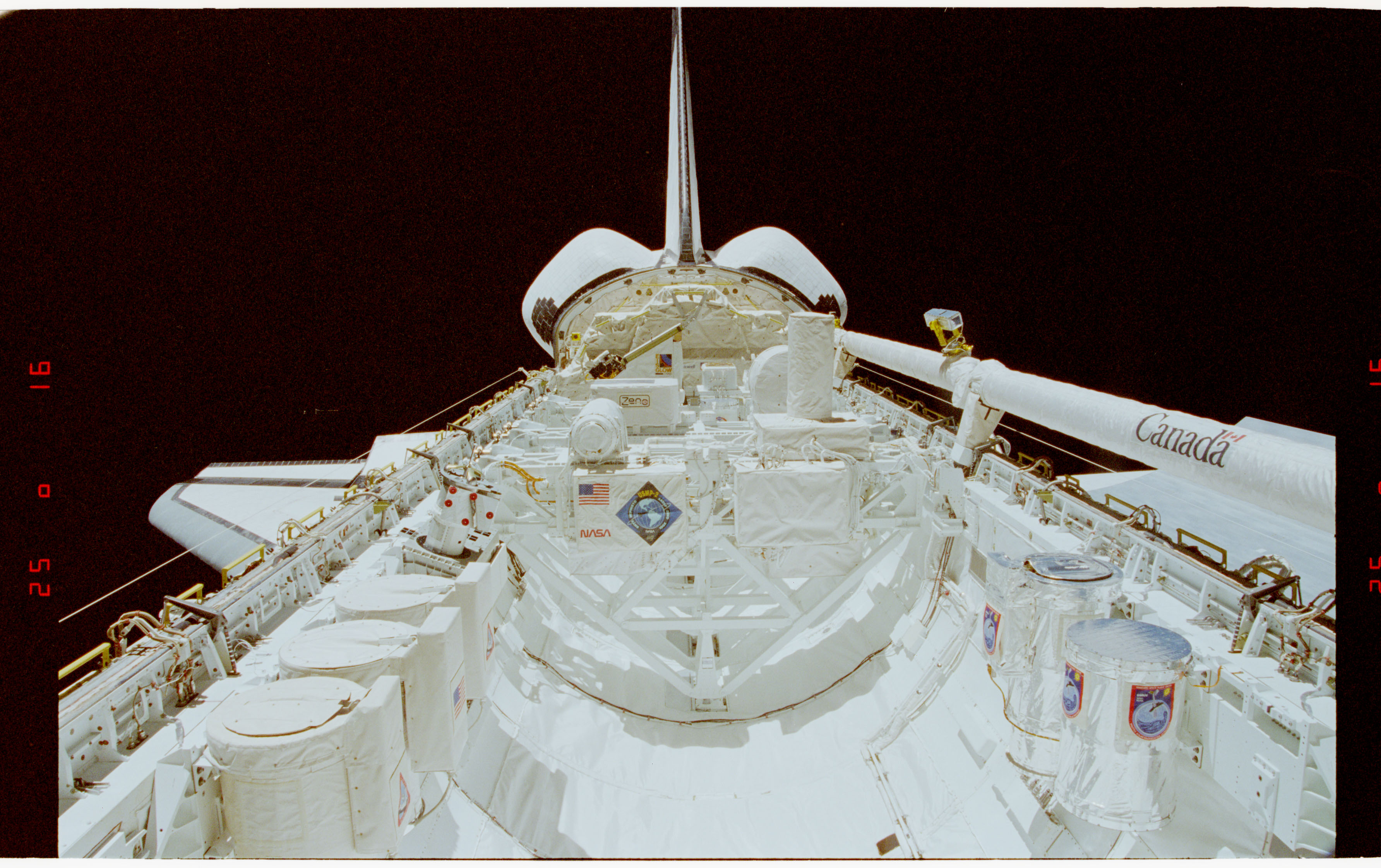 STS062-14-019 - STS-062 - Columbia's payload bay
