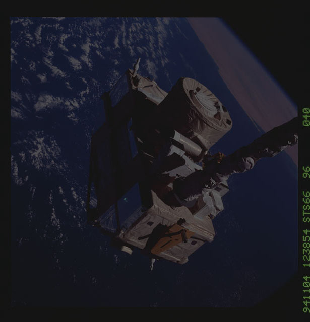 STS066-96-040 - STS-066 - CRISTA-SPAS - Atlantis' RMS deploys the CRISTA-SPAS during STS-66 mission