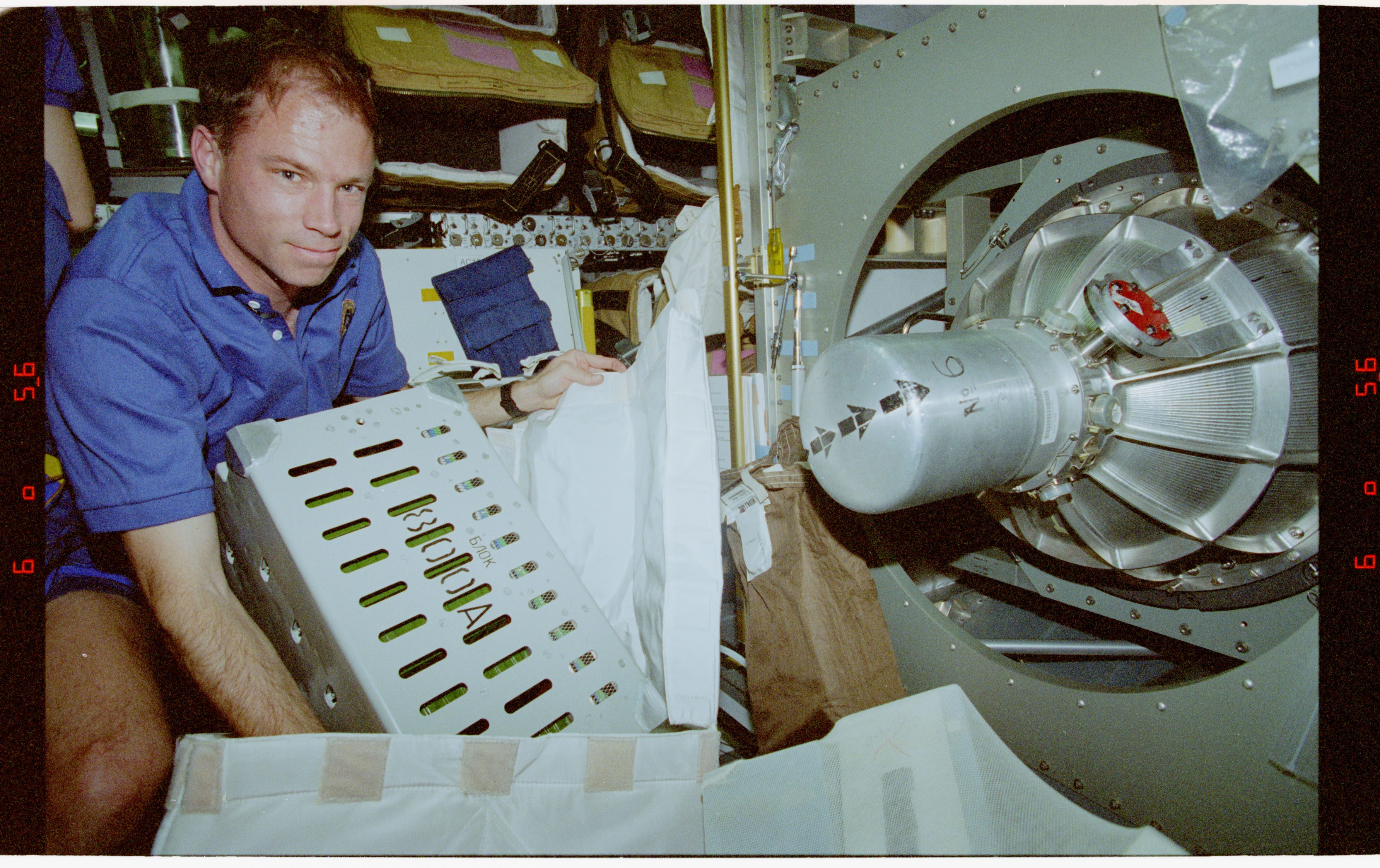 STS076-345-019 - STS-076 - Documentation of logistics transfer from shuttle Spacehab