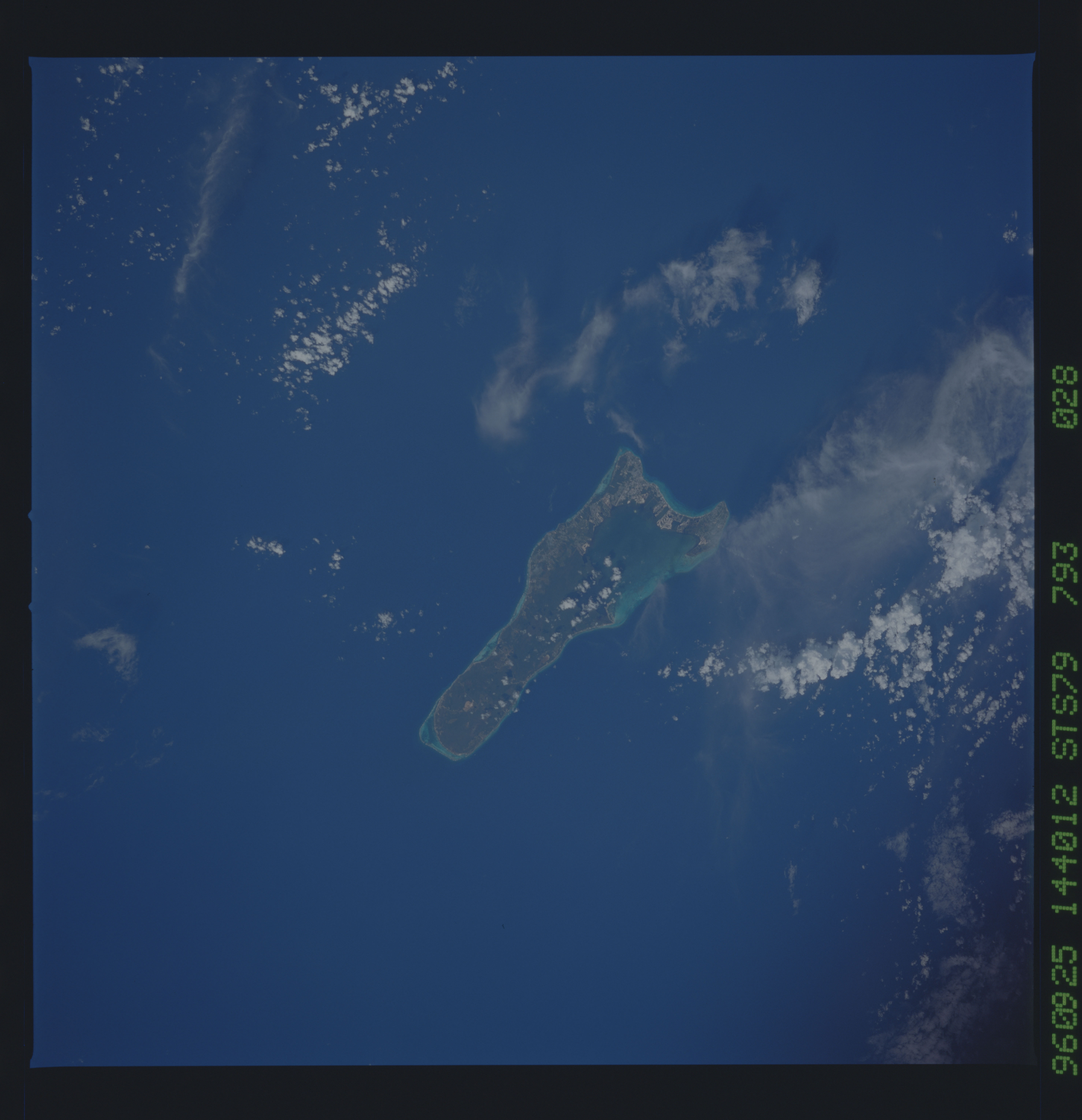 STS079-793-028 - STS-079 - Earth observations from STS-79 orbiter Atlantis